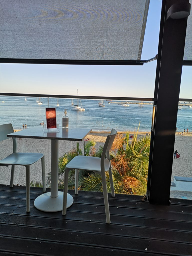 Who can resist dinner with this view? (also in Cascais)